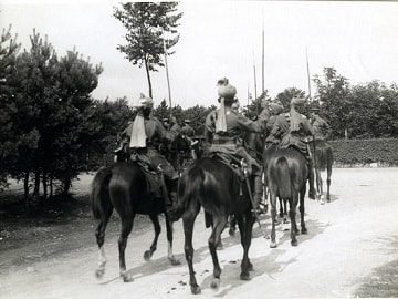 An Indian Cavalry escort to the Commander in Chief, August 1915 (British Library : Girdwood Collection )